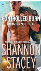 Review : Controlled Burn by Shannon Stacey